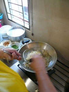 mike-blanching beansprouts