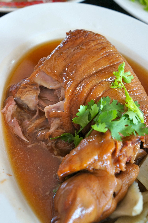 chiangmai-yunnan braised pork trotter2