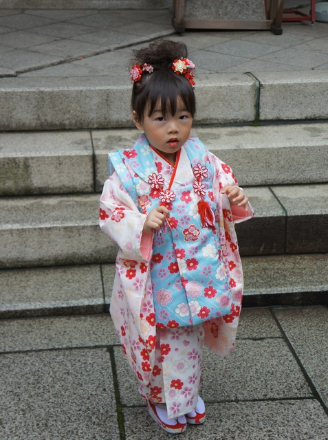 little Japanese girl at Ueno1