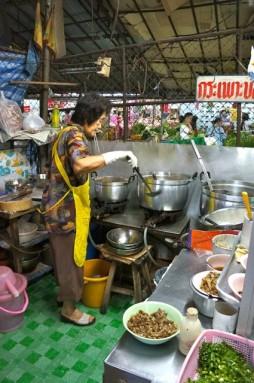 warorot market 54