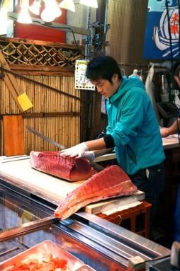 cutting tuna 02