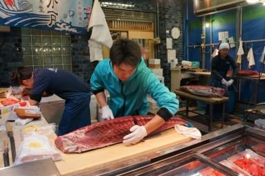cutting tuna 04